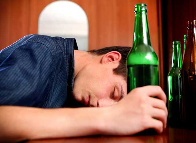 alcohol Worst Foods for Brain Health
