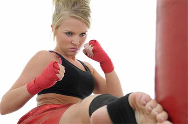 benefits women's kickboxing