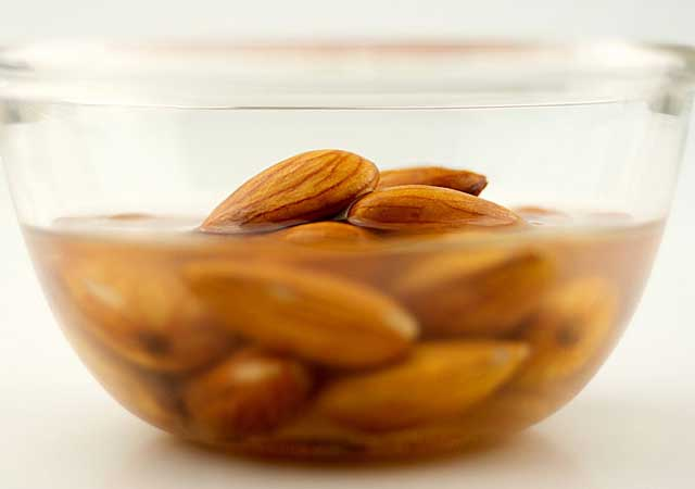 home remedies for treating cataract is wet almond