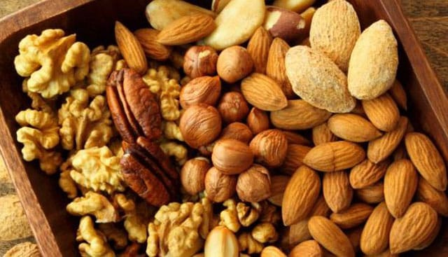 Foods High in Glutamine, nuts